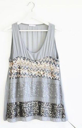 Grey sparkly top #602